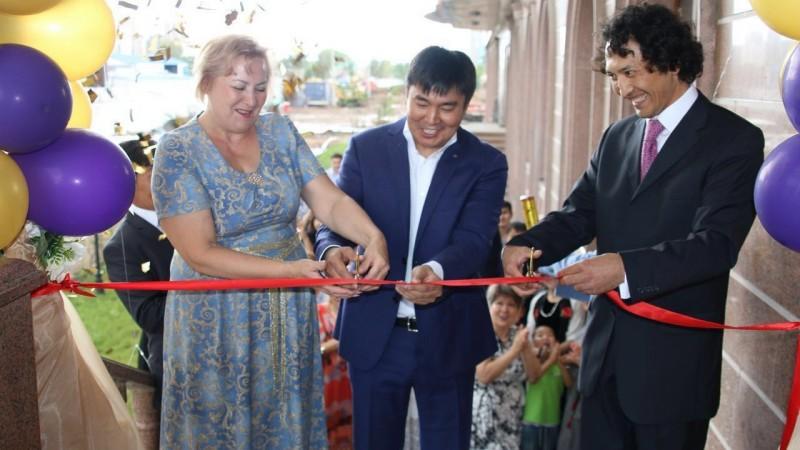 Фото с официального открытия нового Звездного штаба Академии Победителей в Астане, Казахстан, 18 июля 2016 года